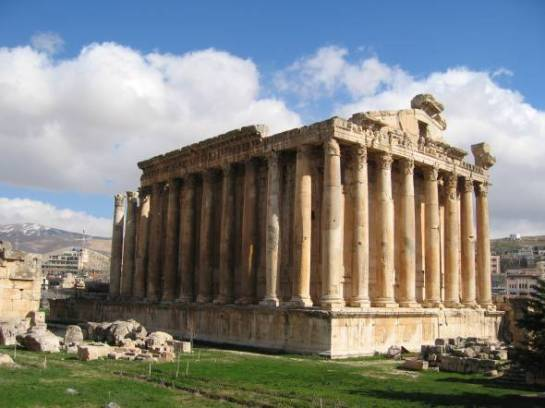 baalbeck-temple-bacchus-4