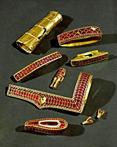 AKG29288