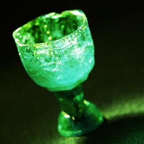 santo-graal-smeraldo-leggenda-lucifero